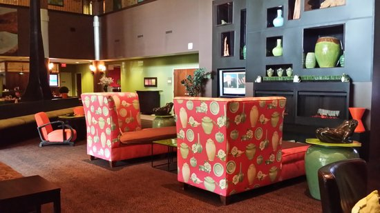 Holiday Inn Hotel & Suites - Ocala Conference Center: Lobby