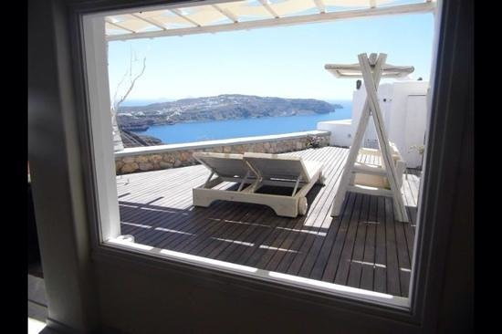Athermi Suites: Honeymoon suite balcony through the window