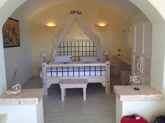Athermi Suites: Honeymoon suite