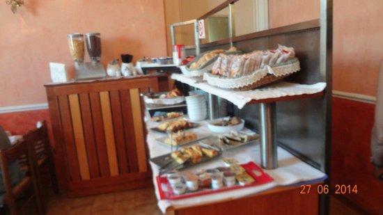 Hotel Olimpia: Breakfast  yum-yum