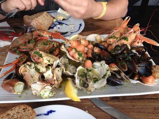 Cafe Fish : Roast seafood platter! 