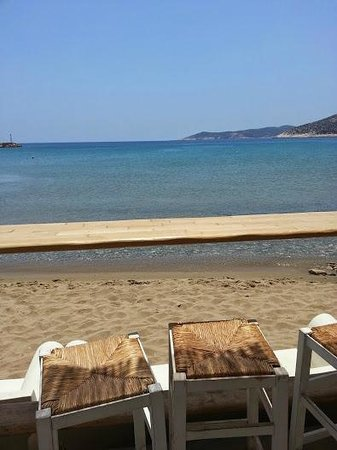 Omega3 : Bar/table face à la plage
