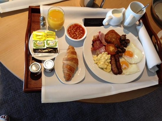 Hilton at St George's Park, Burton upon Trent: Breakfast