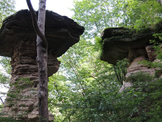 Dells Boat Tours: Stand Rock