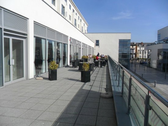 Ramada Plaza Southport : Sun terrace at  Ramada Plaza