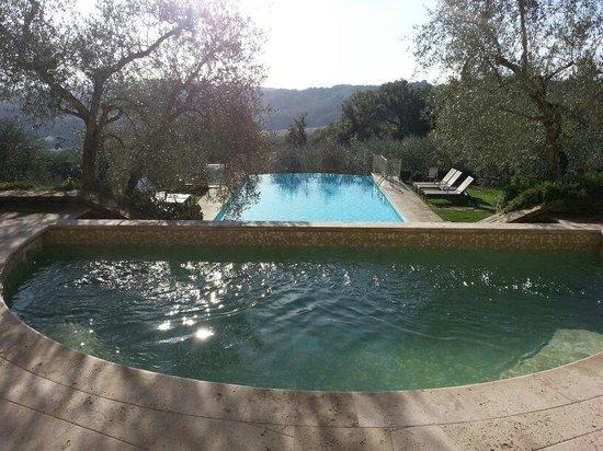 Villa la Borghetta: doppia piscina - piccola con idro