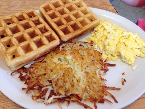 Raymond's Restaurant: Waffles and eggs with a side of hashbrowns. Yum!
