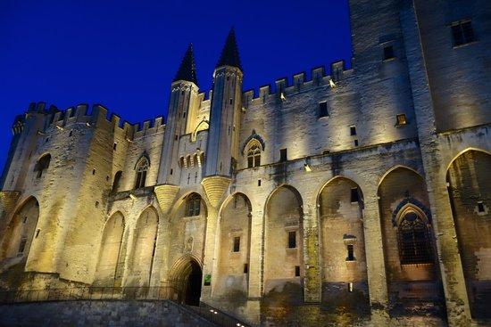 Hotel de l'Horloge: palais des papes at night, 5 min walk from hotel