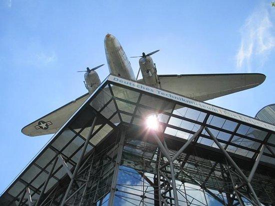 Deutsches Technikmuseum Berlin: På taket - ett flygplan