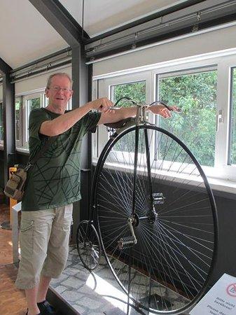 Deutsches Technikmuseum Berlin: en cykel modell äldre