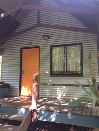Magnums Backpackers: The cabins