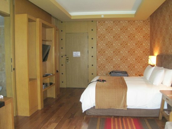 Tambo del Inka, a Luxury Collection Resort & Spa: King bed room