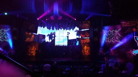 Rock of Ages: Preshow set up, no pix during show!