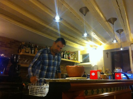 Cafe Filermo : The owner Raphael demonstrating genuine hospitality and slicing cheese for us!