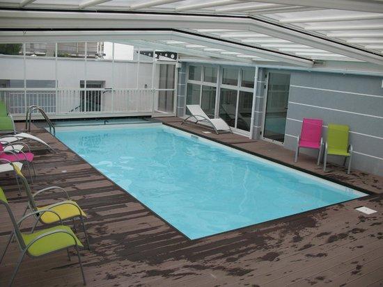 Apart'Hotel L'Escale Marine : piscine de l'hotel