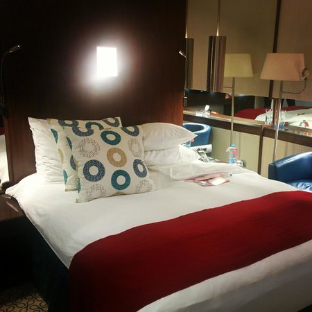 Crowne Plaza Riyadh Minhal : Bed