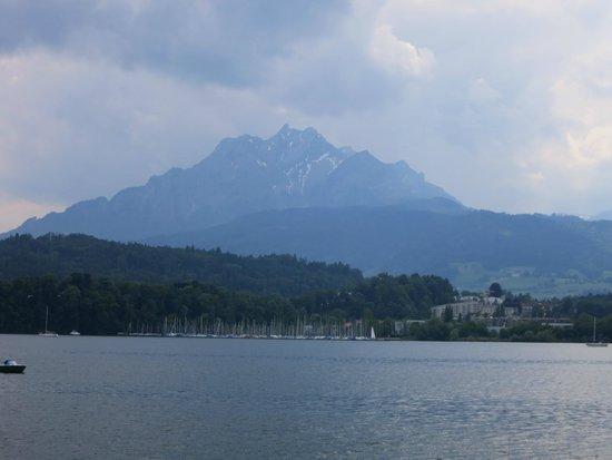Lake Luzern: A view of the lake.
