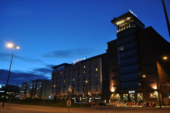 Radisson Blu Seaside Hotel, Helsinki: Passeggiata di fronte l'Hotel