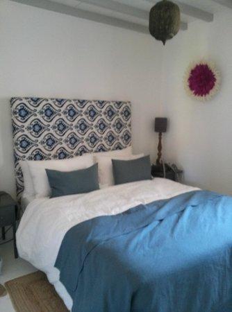 Le Mas des Oules: master bedroom in La Belle Nuit