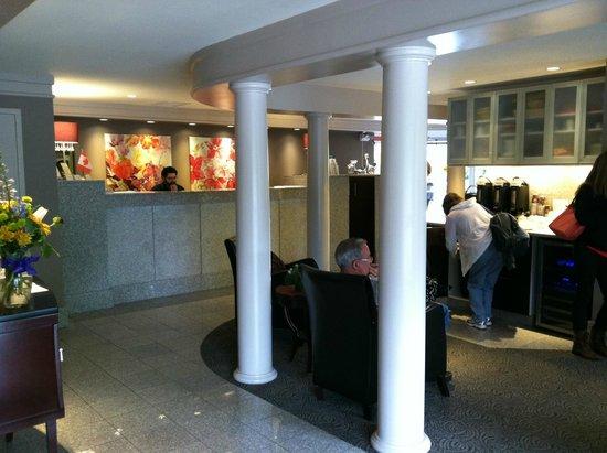 Helm's Inn: Lobby