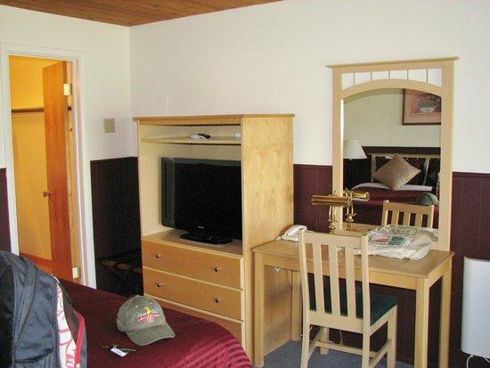 Yosemite Gateway Motel : our room