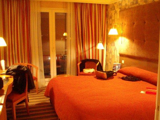 Hotel Barriere L'Hotel du Lac: chambre 2012 la nuit