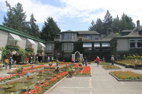 Butchart Gardens: Restaurants and ice cream parlor