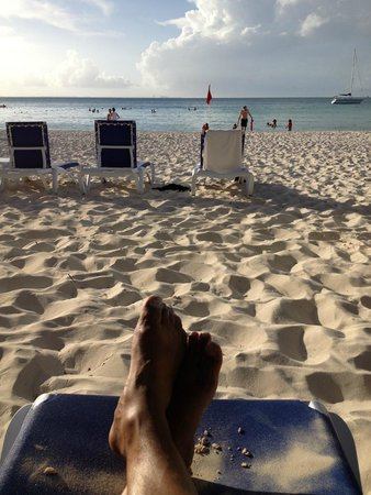 Presidente InterContinental Cancun Resort: The beach at sundown.