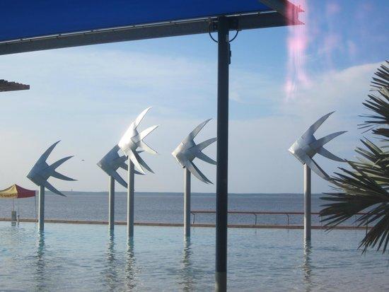 Cairns Esplanade Lagoon : Lagoon Art