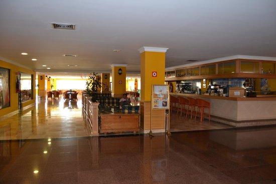 Playaluna Hotel : bar interior