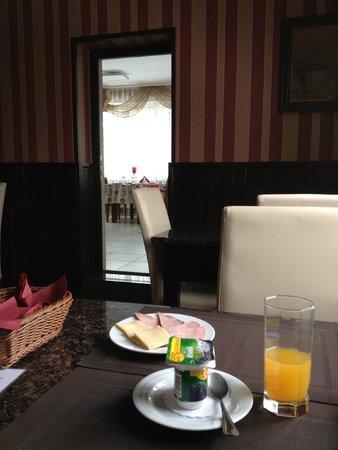 Cherepakha Hotel : Завтрак