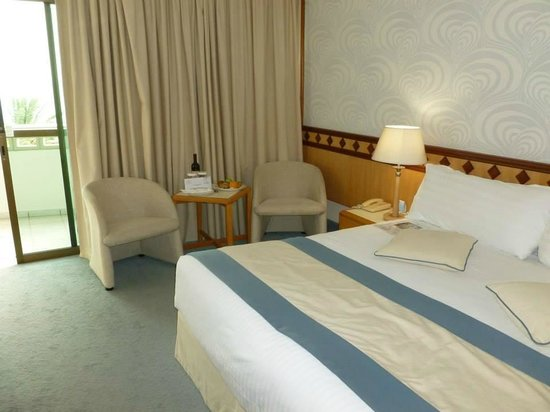 Constantinou Bros Athena Beach Hotel : Our Superior Room
