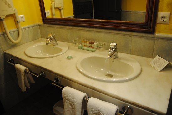 Parador de Almagro: baño