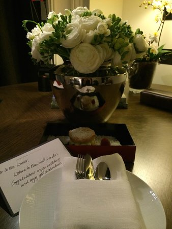 Rosewood London: Message upon arrival