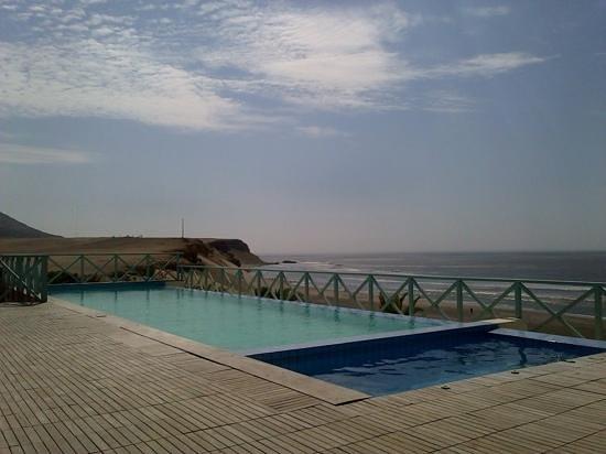 chicama surf hotel u spa piscina y jacuzzi exterior