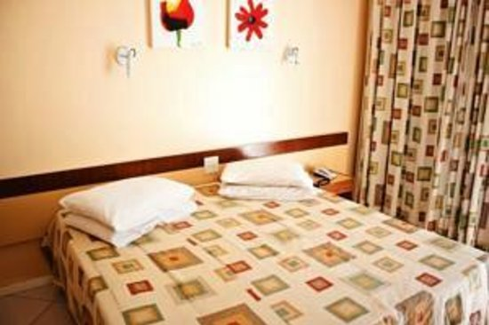 Ravena Cassino Hotel : Quarto