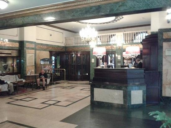 Danubius Hotel Astoria City Center: The lobby