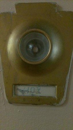 Rodeway Inn: Room Number Written in Sharpie