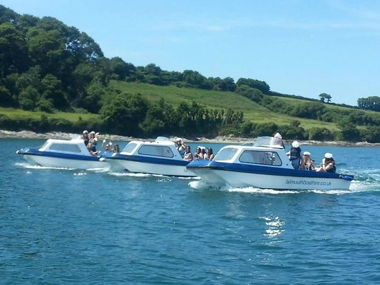 Falmouth Boat Hire: A group of girls having a wonderful time