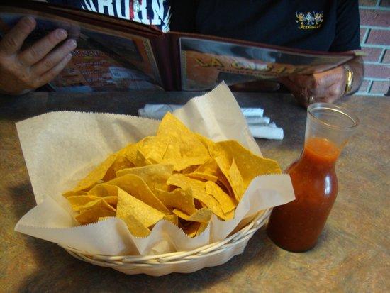 La Cabana Restaurant : chips and dip