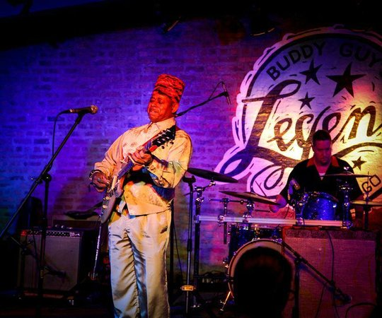 Buddy Guy's Legends : ON STAGE