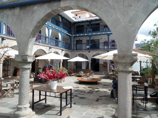 El Mercado: Courtyard
