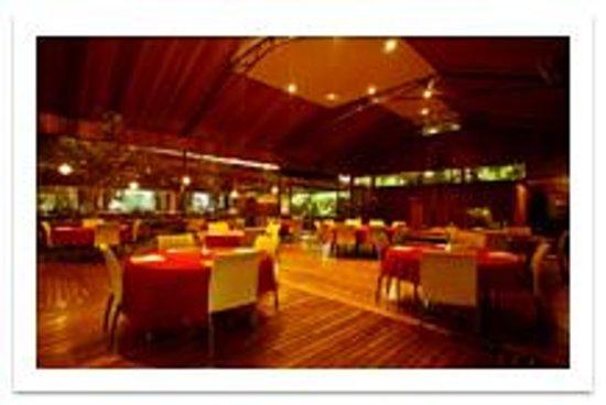 Liamo Reef Resort: Restaurant