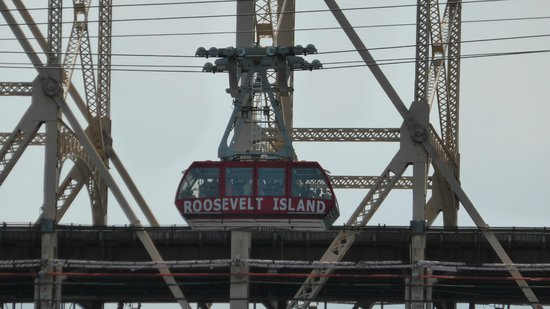 Roosevelt Island Aerial Tram: Roosevelt Tram