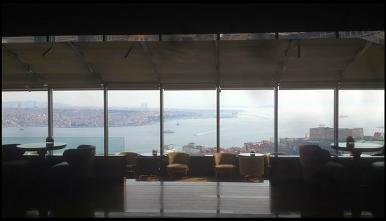 InterContinental Istanbul: Bosphorus.... View from City Lights Bar