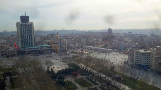 InterContinental Istanbul: Taksim Square -- View from my Room