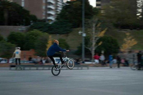 Parque de Espana : Deportes en la plaza