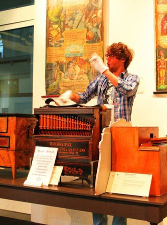 Museum Speelklok: Museum guides add to the entertainment with their singing along with the antique instruments