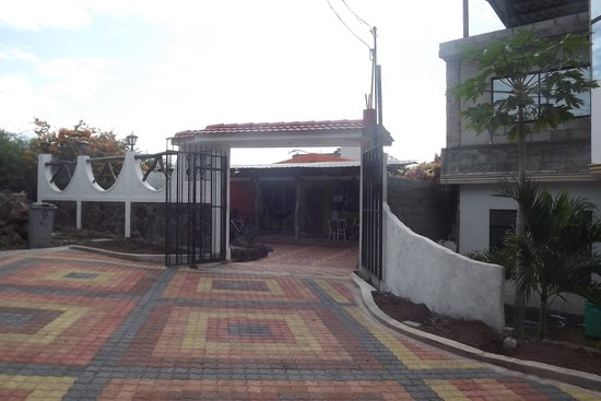 Hostal Casa de Laura: Hotel Entrance