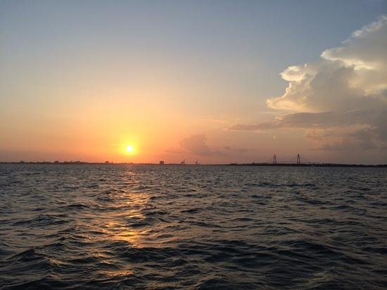 Sandlapper Water Tours: Cruising into the sunset